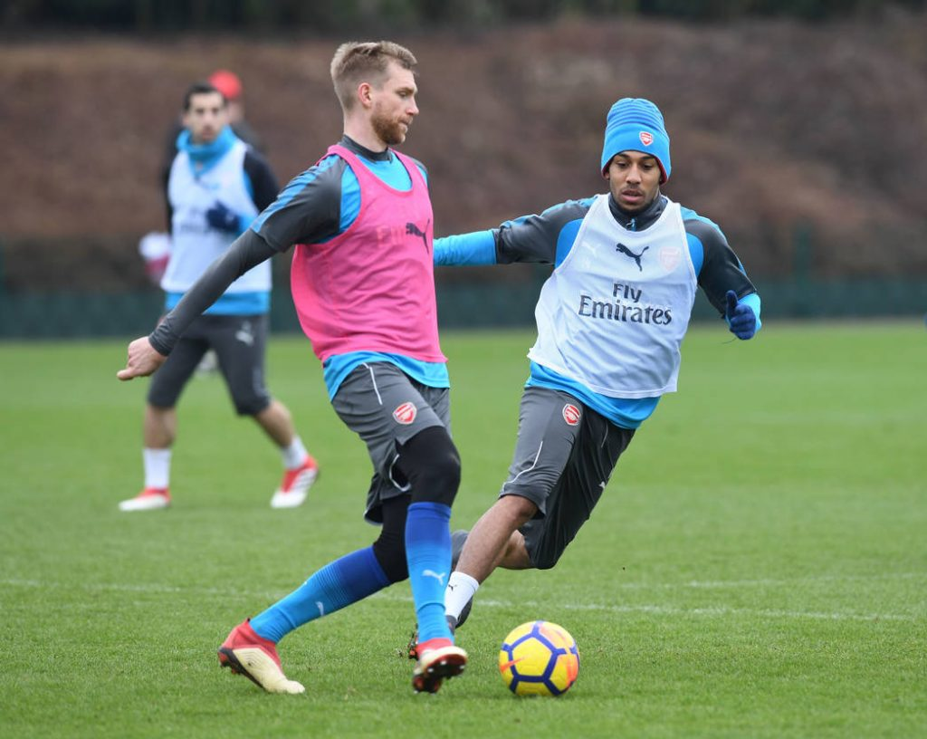 Aubameyang-trainsh-ahead-of-Watford-clash