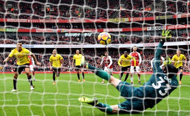 Petr-Cech-Penalty-Save-Arsenal-vs-Watford