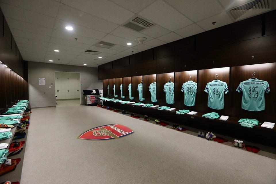 Arsenal_Third_Kit_Dressing_Room_against_PSG