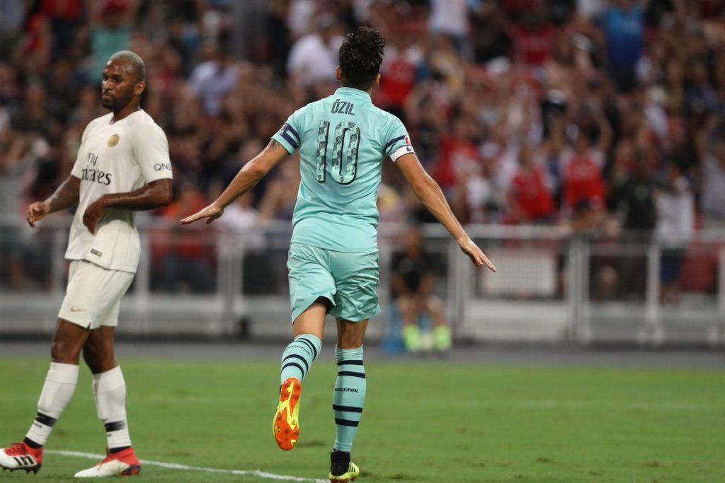 Mesut_Ozil_captain_arsenal_psg_international_champions_cup