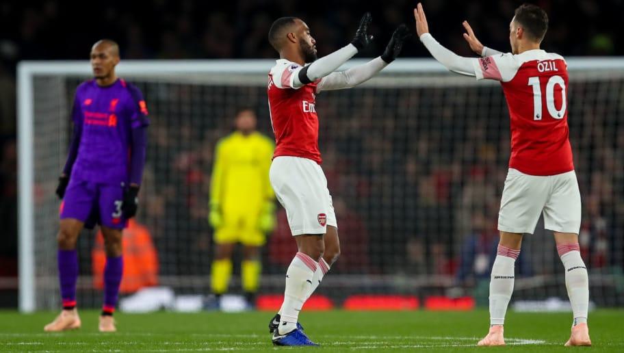 Arsenal-fc-v-liverpool-fc-premier-league-lacazette-ozil