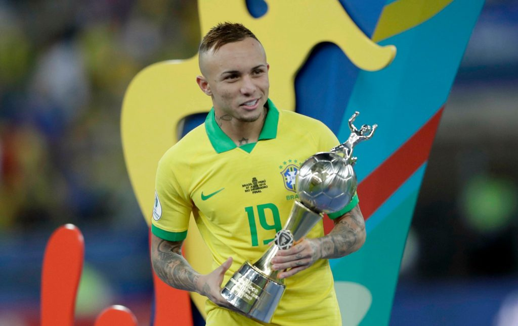 Everton Soares set for Arsenal medical